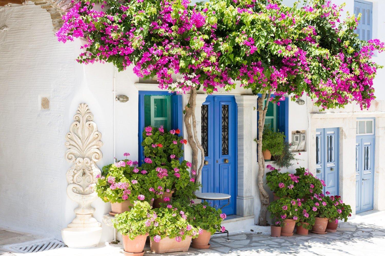 Colourful alleys part of the Santorini Tinos Photo Tour