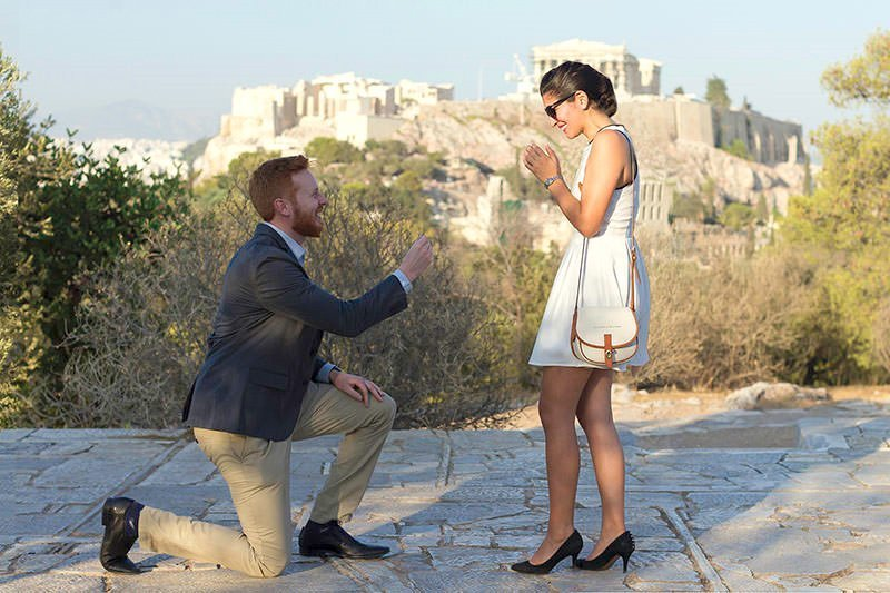 Athens Photo Shoot - Organize your surprise proposal in Athens