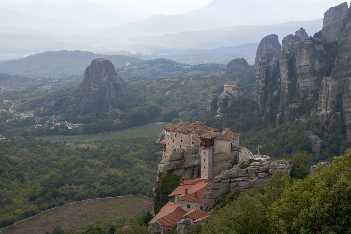 Athens to Meteora by train photo tour