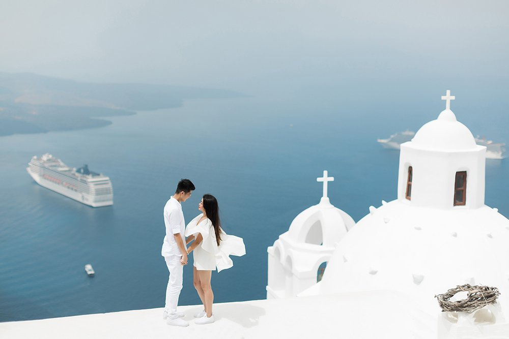 Hire a Santorini Photographer for a photoshoot or a photography tour